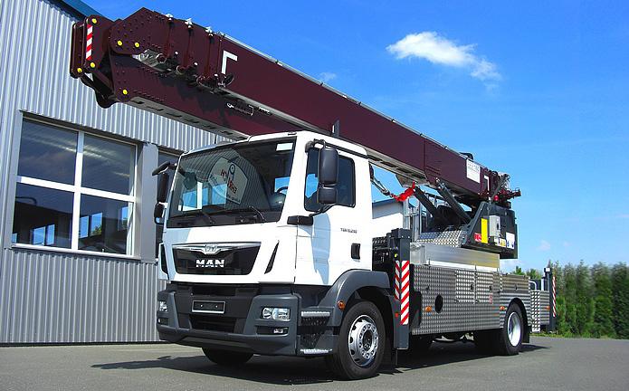 Vlutters voordeel | inruilkorting Amak 160 autokraan incl. vrachtwagen