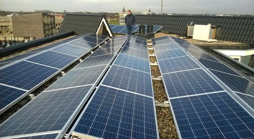 Dak vol zonnepanelen? Denk ook aan valbeveiliging