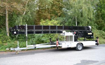AMAK 33 aanhangerkraan voor verticaal transport huren? | Vlutters Tools & Safety